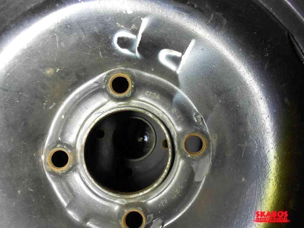 Letní pneu s disky na Peugeot 206 (1/3)