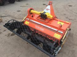 Zakladač trávníků CR125, za malotraktory od 16 Hp