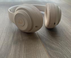 Sluchátka Beats Studio3 Wireless – pouštní písek