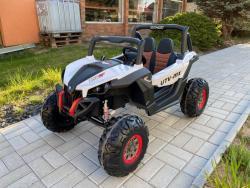 Elektrické autíčko NEW RSX 4x4, 2x12V Bílé