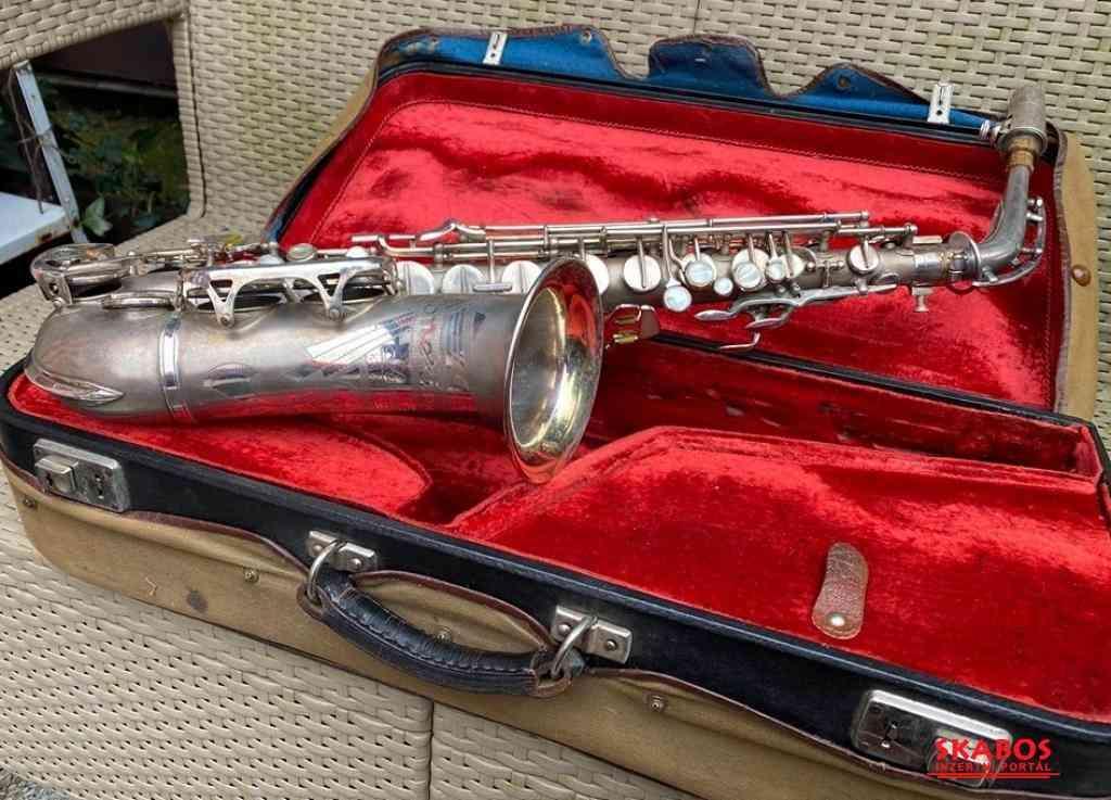 Prodám alt saxofon (1/4)