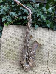 Prodám alt saxofon (1599134088/4)
