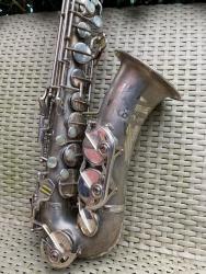 Prodám alt saxofon (1599134090/4)