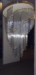 Prodám lustr s tyčovým  křišťálem kruhový s průměrem 40cm