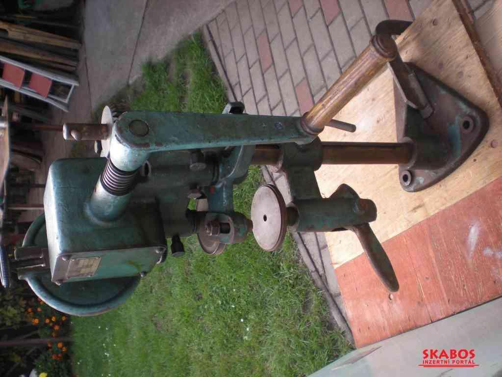 Stroj na konzervy tovární výroby Typ KO 3 (1/3)