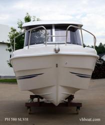 Motorový kajutoý člun PH 580 (1603870390/5)