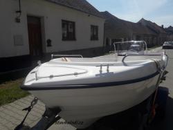 Motorový člun B500 Open