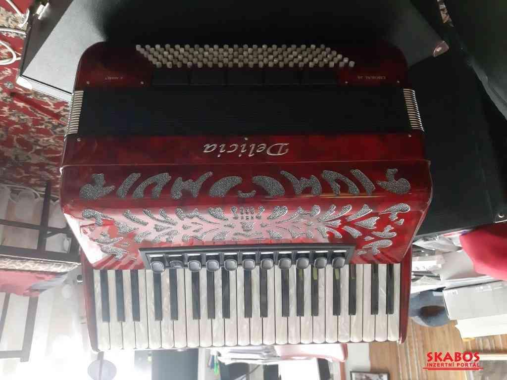 Prodám nový klavesový akordeon DELICIA Chorál 26 (1/2)