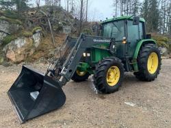 Traktor John Deere 6400/Q660 + čelní nakladač