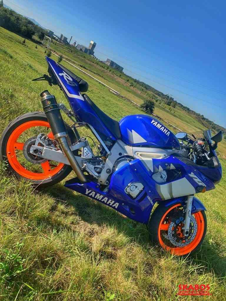 Yamaha YZF R6 (1/2)