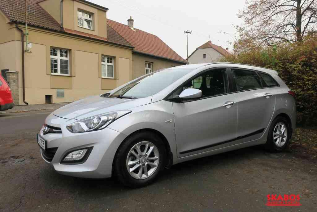 Hyundai i30 1.6i,88kW,1majČR,54tkm,serv.kn,klima (1/5)