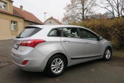 Hyundai i30 1.6i,88kW,1majČR,54tkm,serv.kn,klima (1607953900/5)