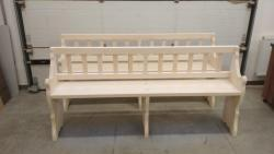 Replika dřevěné lavice