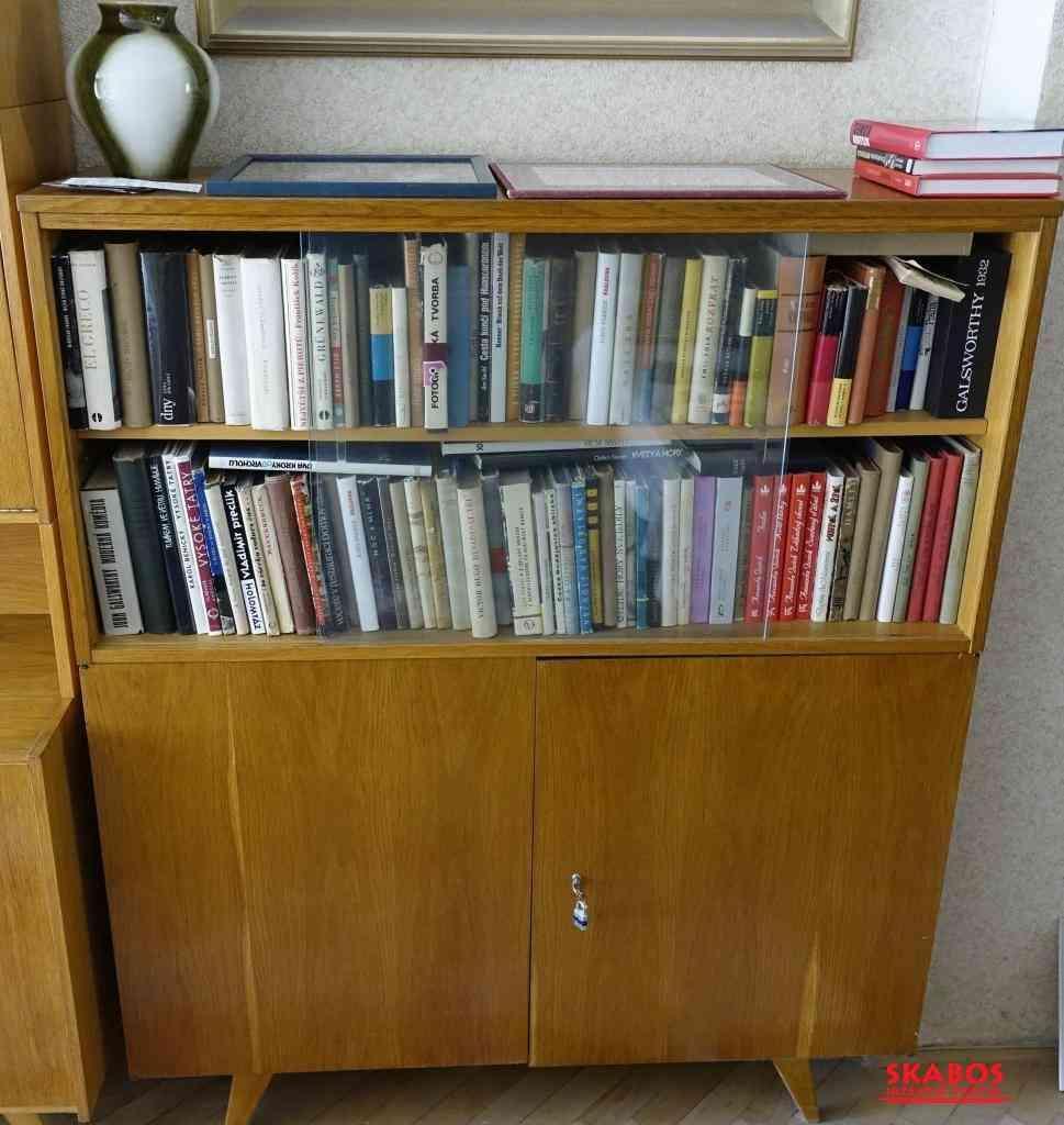 Vintage knihovna ze šedesátých let (1/2)