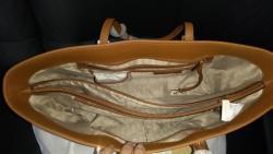 Hnědá kožená kabelka Michael Korks Jet set travel (1610974551/3)