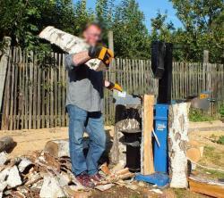 Půjčím štípačku na dřevo Scheppach 12t-platí stále