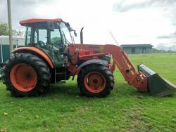 Kubota LA132-4 2014 - traktor je v perfektním stav