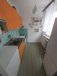 Pronajmu zařízený byt 2 + 1 s lodžií v Praze