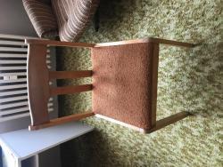 Polstrovaná židle - barva zrzavá