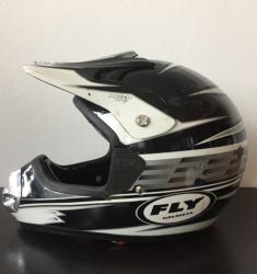 Helma na motorku Fly Helmets