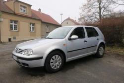 Volkswagen Golf 1.6i,74kW,klima,eko.zaplaceno,el.střeš.okno