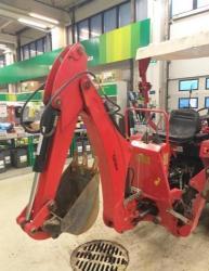 Jinma 204E traktor s nakladačem a rypadlem (1615901460/5)