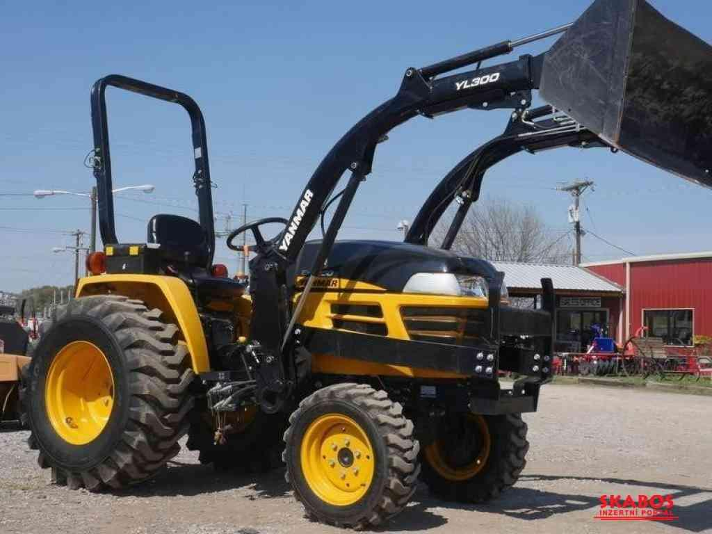 Traktor Yanmar EX320c0E (1/3)