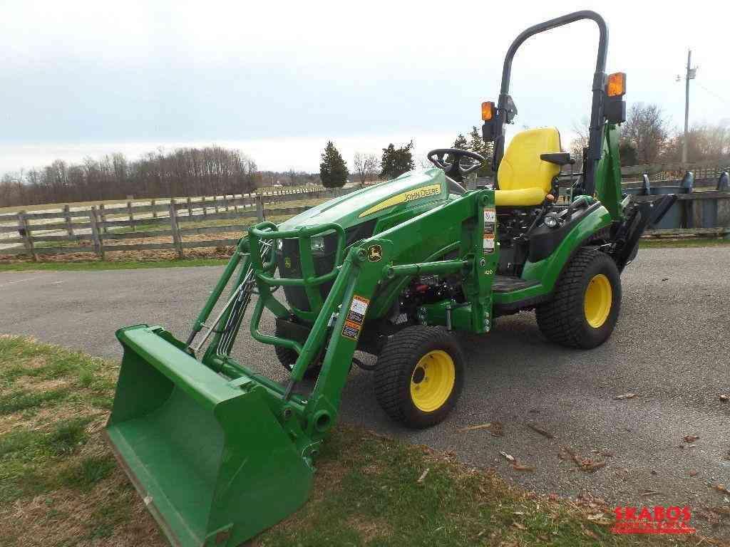 John Deere 10c25cT traktor (1/3)