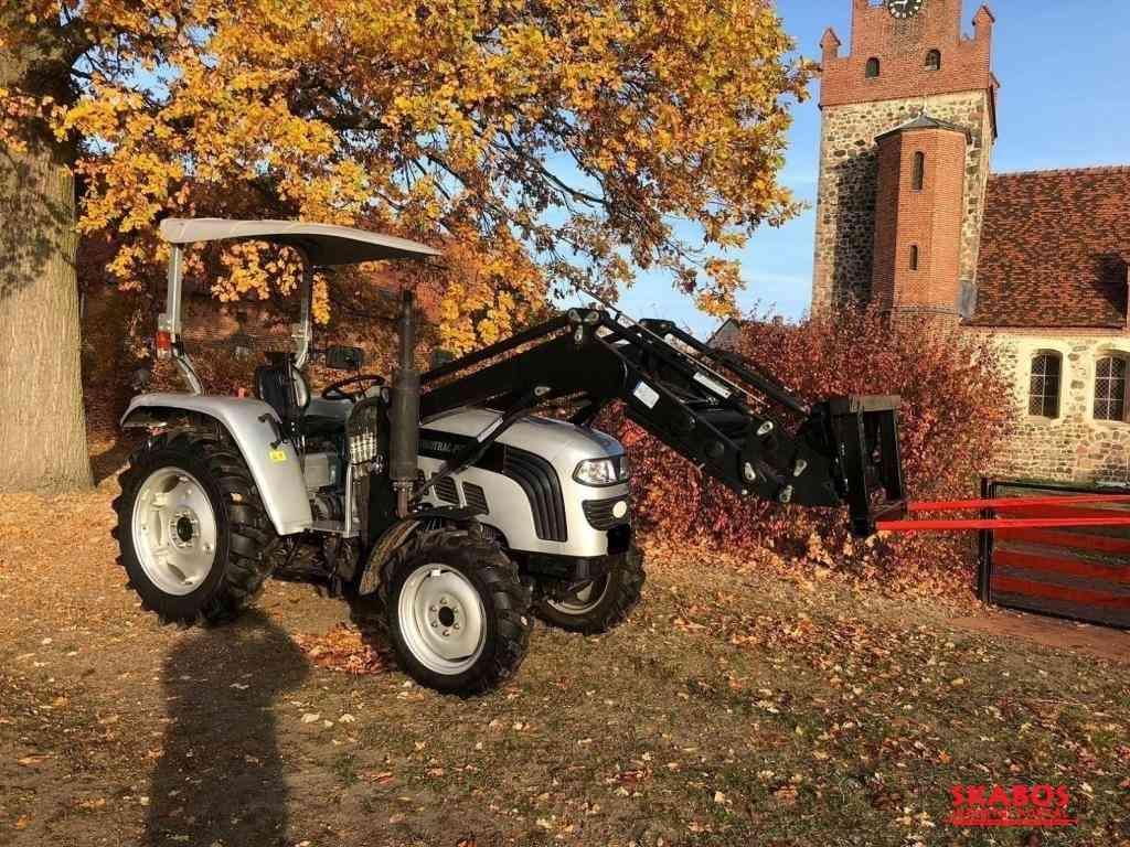 Traktor Eurotrac Foton F/40 22ERT + kompletní čeln (1/4)