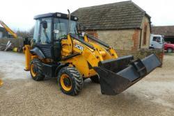 Traktorbagr JCB 2CX (1620124153/3)