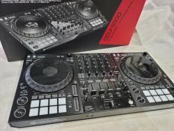 DJ ovladač Pioneer DDJ-1000 pro Rekordbox