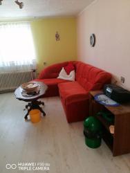 Pronájem obýváku + ložnice