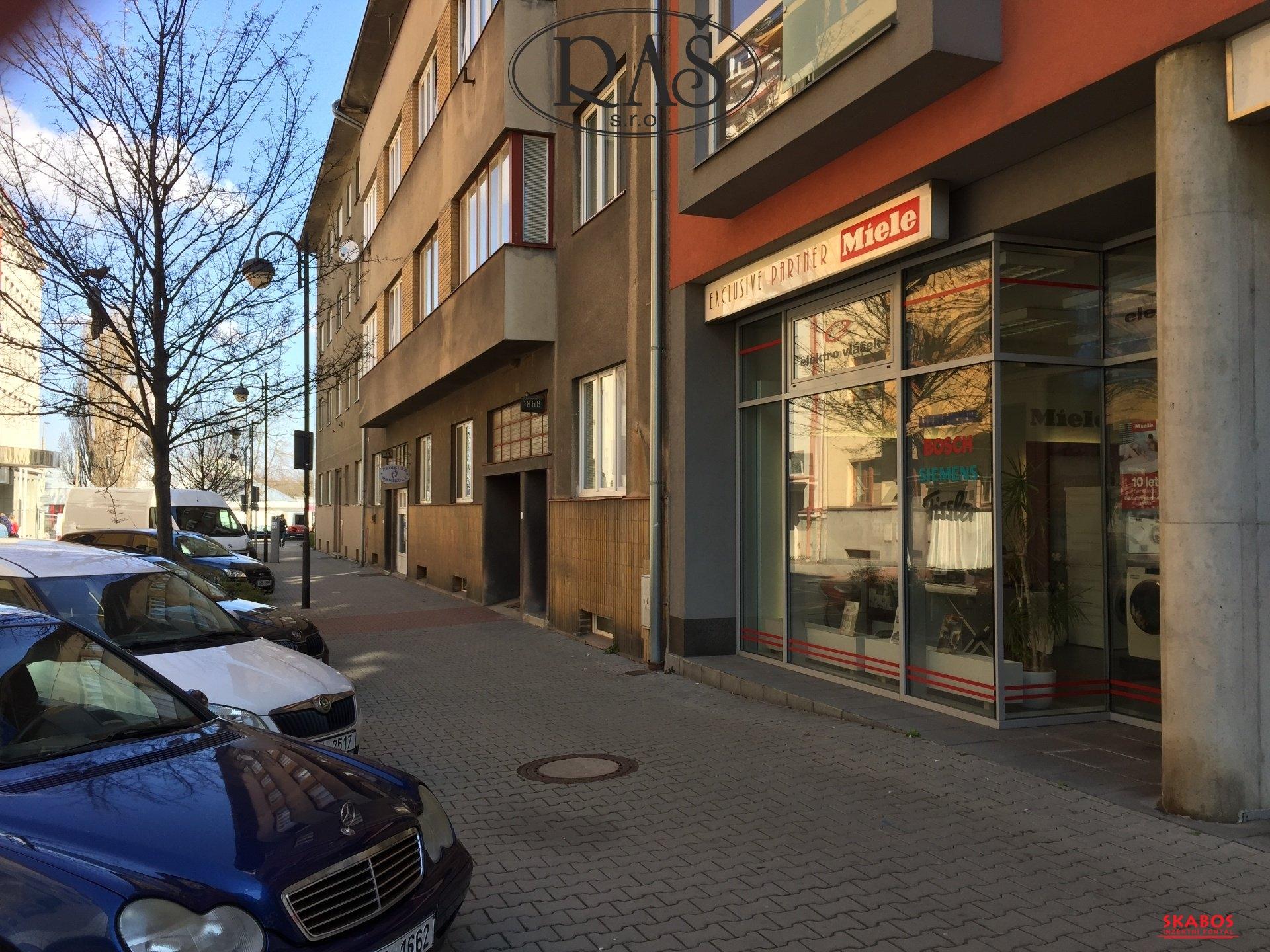 Prodej, Obchodních prostor, 80m2 - ulice Pernerova, Pardubice - Zelené Předměstí (1/4)