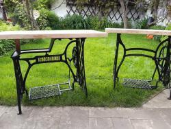 Šicí stroj stolek