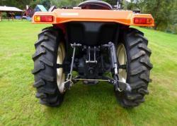 Traktor Hinomoto 23N9 (1623417798/3)