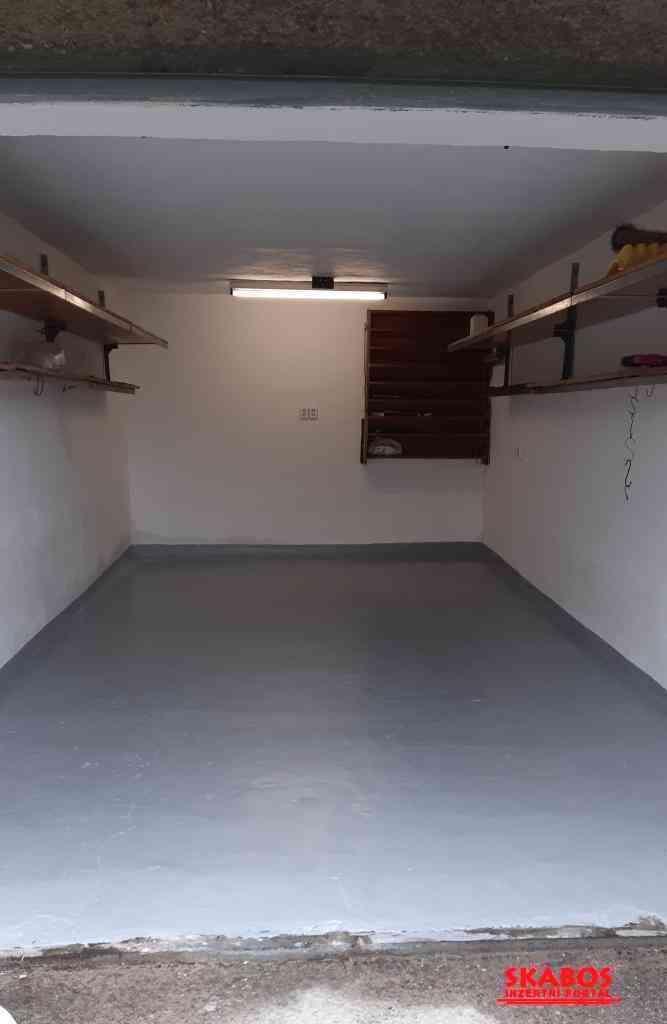 garáž v Karviné v ulici Ve Svahu (družstevní) (1/3)