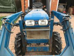 Traktor Ford I220F + příslušenství (1625660815/3)