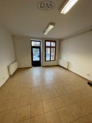 Pronájem obchodních prostor, 70m2 - Pardubice - Bílé Předměstí (6132/7)