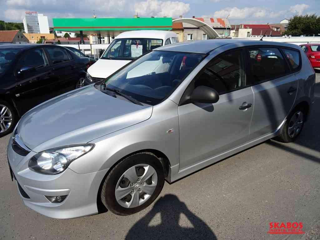 Hyundai I30,1maj,klimatizace,ixofix,multifunkční.volant (1/5)