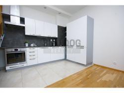 Pronájem luxusního bytu s výhledem na Prahu, 3+kk, 101 m2/G, P - Vinohrady