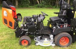 Profesionální vysoká sekačka Kioti Tractor WD1260 (1631788382/5)