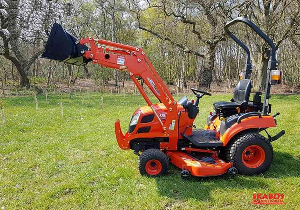 Kioti Tractor CS 2510 HST + Traktorová sekačka (1/5)