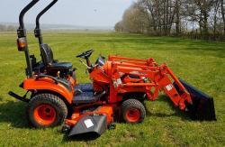 Kioti Tractor CS 2510 HST + Traktorová sekačka (1631788524/5)