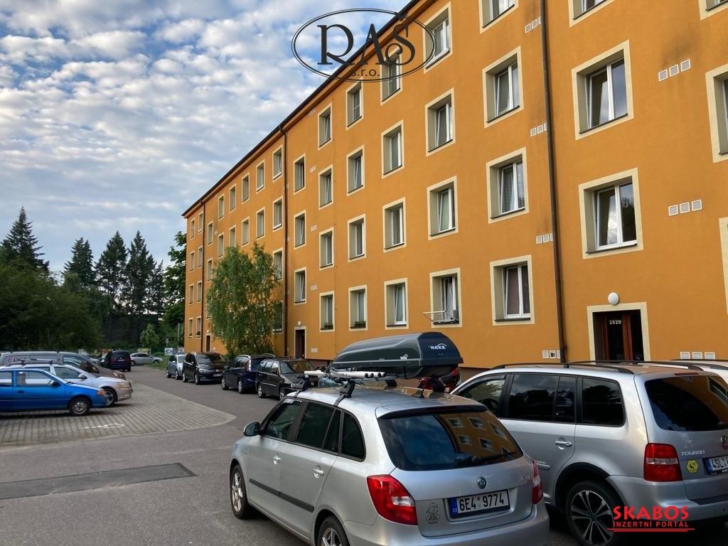 Prodej bytu 2+1, 60m2 - Pardubice - Zelené Předměstí (1/10)