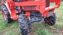 Traktor Kubota B1-w750 / LA0k332 + příslušenství (1632735194/4)