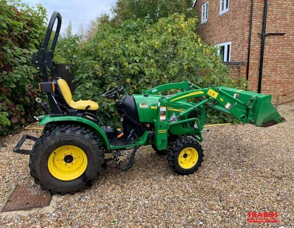 Traktor John Deere 25-CX-20 + čelní nakladač (1/4)