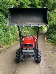 Traktor Mitsubishi Mtt-2I + kompletní čelní nakla (1632736038/4)