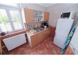 Administrativní objekt - ubytování pro zaměstnance 240 m2, parkování na pozemku, (2/30)