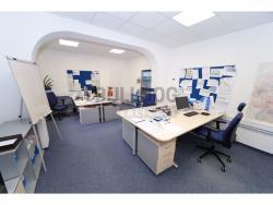 Administrativní objekt - ubytování pro zaměstnance 240 m2, parkování na pozemku, (6168031406/30)