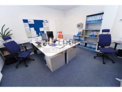 Administrativní objekt - ubytování pro zaměstnance 240 m2, parkování na pozemku, (616803149/30)